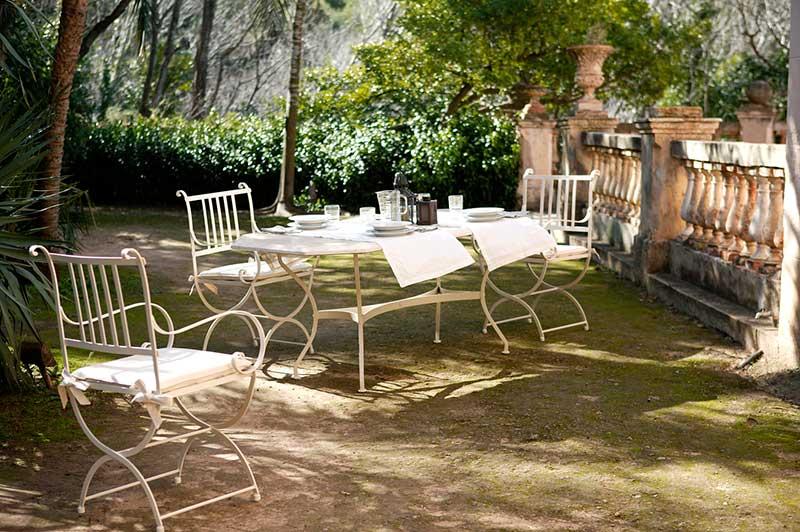 Conjunto de mesa y sillas de forja serie Madrid
