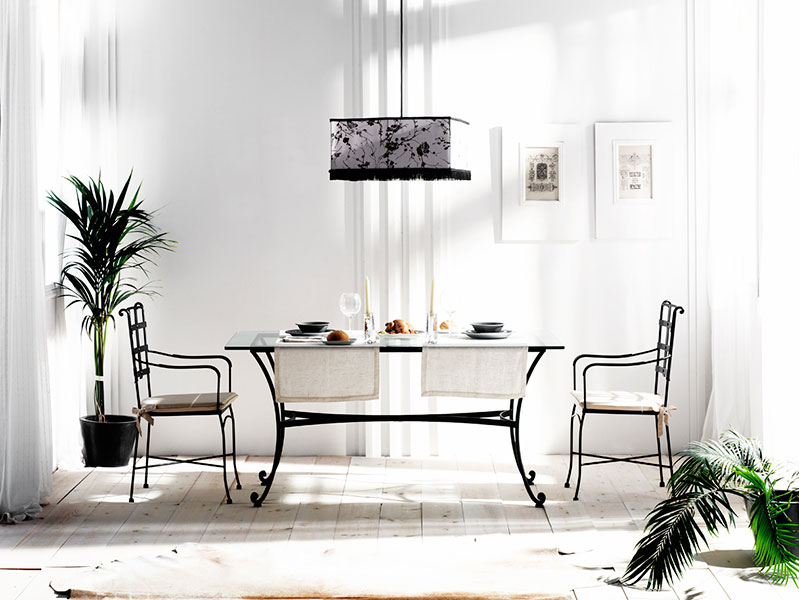 mesa de forja con sillas para el salon comedor