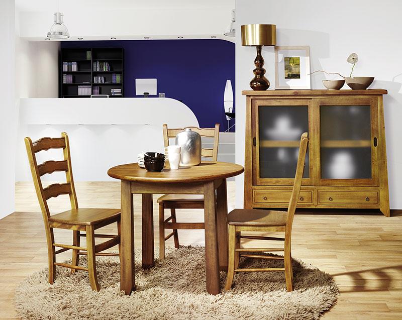 Mesa y salon rustico actual
