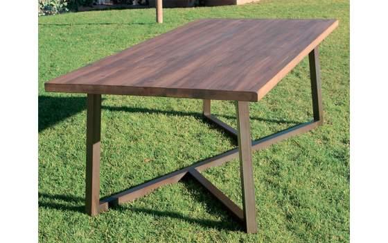 Mesa estilo industrial para salones y bodegas